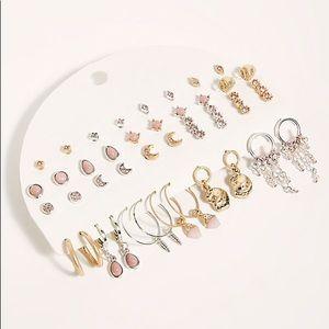 ✨FREE PEOPLE✨Infinite Earrings Set
